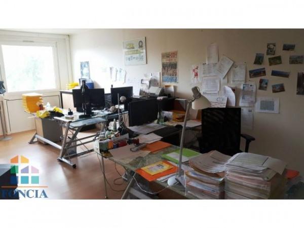 vente bureau clermont ferrand 63000 bureau clermont ferrand de 140 m ref 1164767. Black Bedroom Furniture Sets. Home Design Ideas