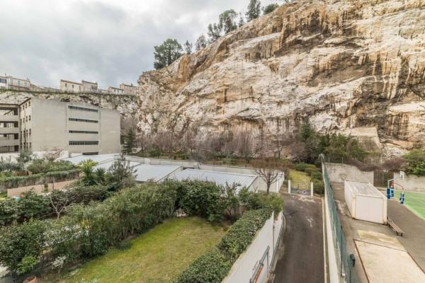Appartement (3 pièces) à Marseille 6ème (13006) - 950 € /mois - - Marseille 6ème (13006)-7