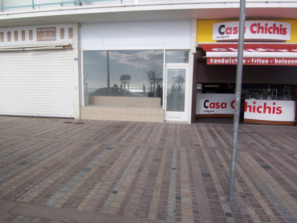 Location local 36m les sables d olonne vend e de for Location garage les sables d olonne particulier