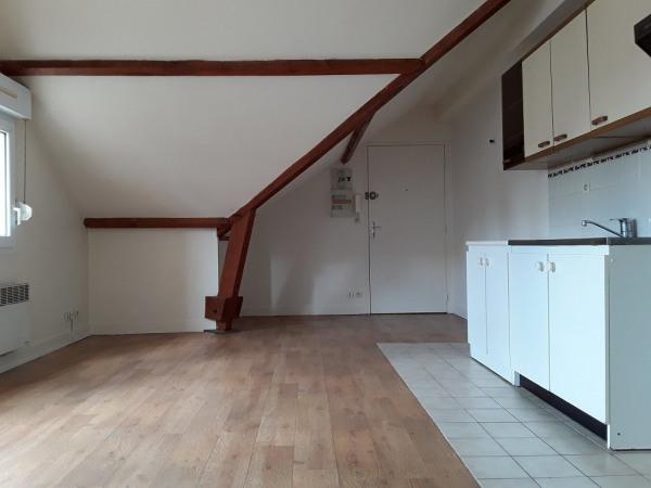 location appartement 32m ballancourt sur essonne essonne de particuliers et professionnels. Black Bedroom Furniture Sets. Home Design Ideas
