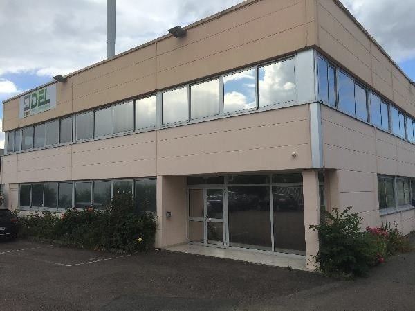 Location Bureauà Les Clayes sous Bois (78340) Bureau Les Clayes sous Bois de 427 m u00b2 ref L  # Agence Immobilière Les Clayes Sous Bois