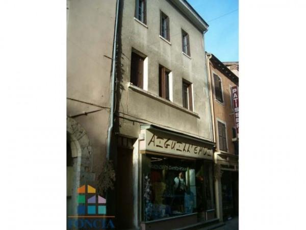 Location Boutique Trévoux