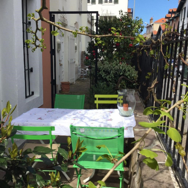 Location vacances Biarritz -  Maison - 5 personnes - Chaise longue - Photo N° 1
