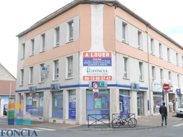Location Local commercial Melun