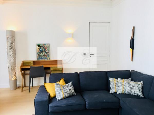 Location Appartement Paris rue de la Trémoille - 92m² - Paris 8ème (75008)-7