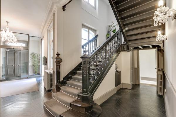 location bureau versailles notre dame 78000 bureau versailles notre dame de 806 m ref. Black Bedroom Furniture Sets. Home Design Ideas