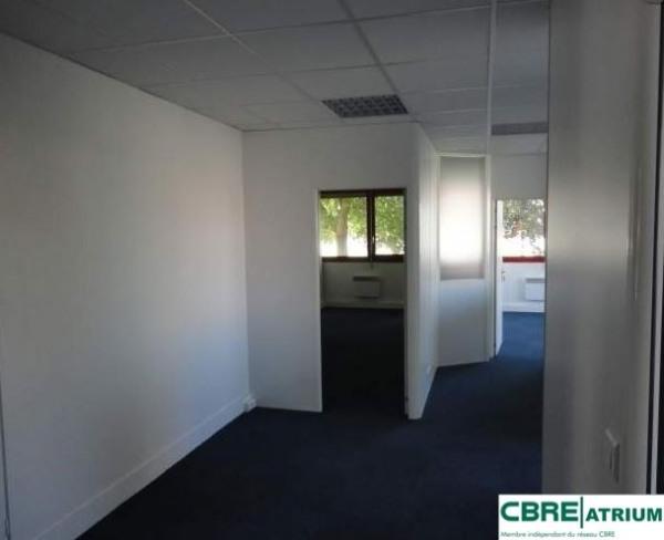 location bureau clermont ferrand puy de d me 63 93 m r f rence n 63 2643. Black Bedroom Furniture Sets. Home Design Ideas