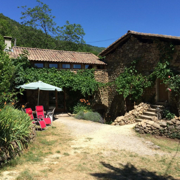 Location vacances Chirols -  Maison - 6 personnes - Barbecue - Photo N° 1