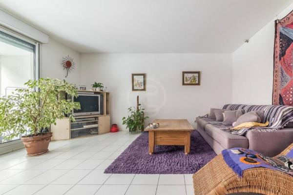Appartement (3 pièces) à Marseille 6ème (13006) - 950 € /mois - - Marseille 6ème (13006)-1