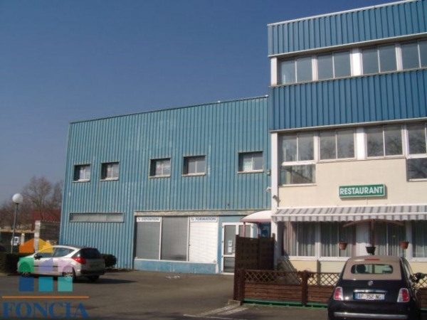 Location Local commercial Trappes 0
