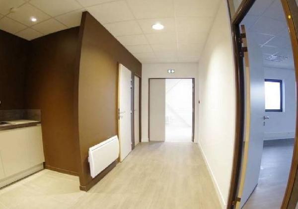 location bureau serris 77700 bureau serris de 67 m ref l 1305 77 035 37. Black Bedroom Furniture Sets. Home Design Ideas