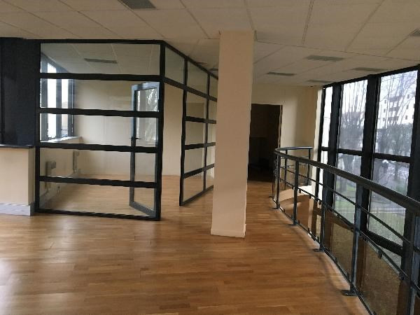 location bureau noisy le grand seine saint denis 93 299 m r f rence n l 1712 93 014 1. Black Bedroom Furniture Sets. Home Design Ideas