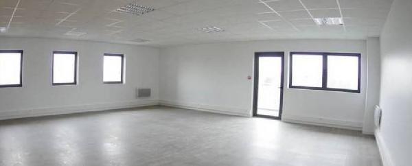 location bureau serris 77700 bureau serris de 39 m ref l 1305 77 035 13. Black Bedroom Furniture Sets. Home Design Ideas