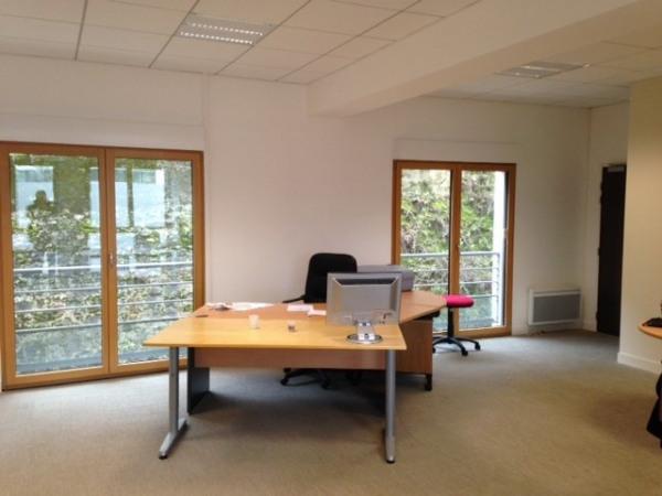 location bureau issy les moulineaux hauts de seine 92 90 m r f rence n wi k13663l. Black Bedroom Furniture Sets. Home Design Ideas