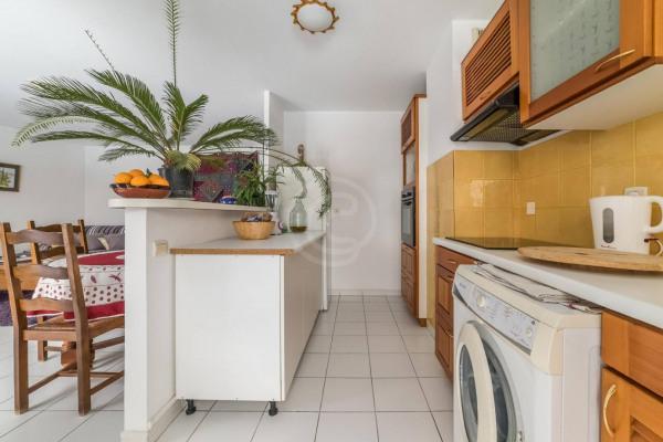 Appartement (3 pièces) à Marseille 6ème (13006) - 950 € /mois - - Marseille 6ème (13006)-4