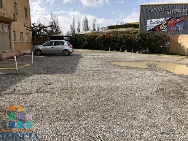 Location Local commercial Istres