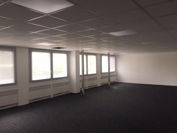 location bureau rennes le blosne 35000 bureau rennes le blosne de 244 m ref 35 2341. Black Bedroom Furniture Sets. Home Design Ideas