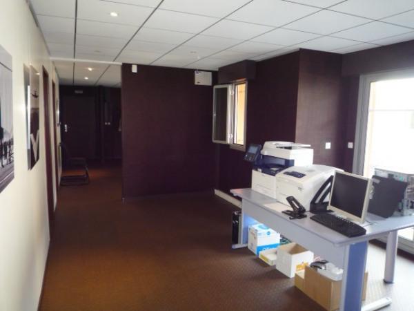 location bureau rennes ille et vilaine 35 240 m r f rence n bl5181. Black Bedroom Furniture Sets. Home Design Ideas