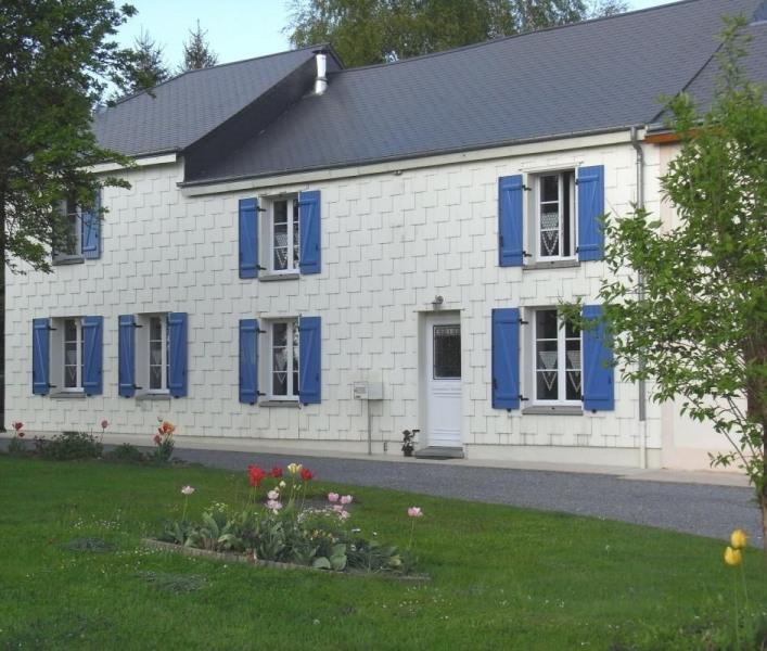 Gîte Le Pré d'Hyraumont à Rocroi - à 30 km de Charleville-Mézières Maison semi-mitoyenne avec la maison des propriéta...