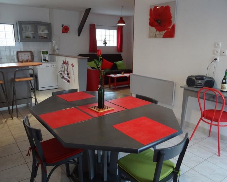 PIECE PRINCIPALE (salle à manger, coin cuisine et salon