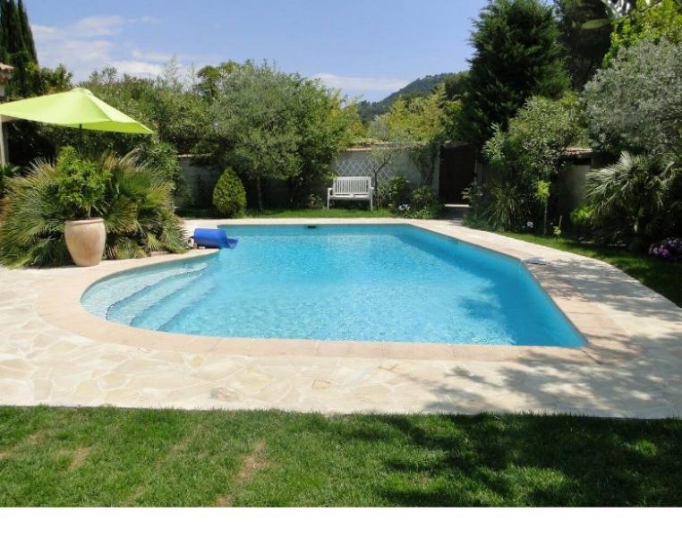 Location vacances Roquefort-la-Bédoule -  Appartement - 2 personnes - Chaise longue - Photo N° 1