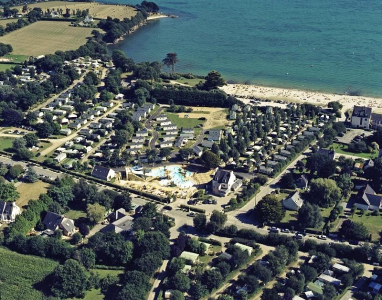 Camping Les Saules, 30 emplacements, 42 locatifs
