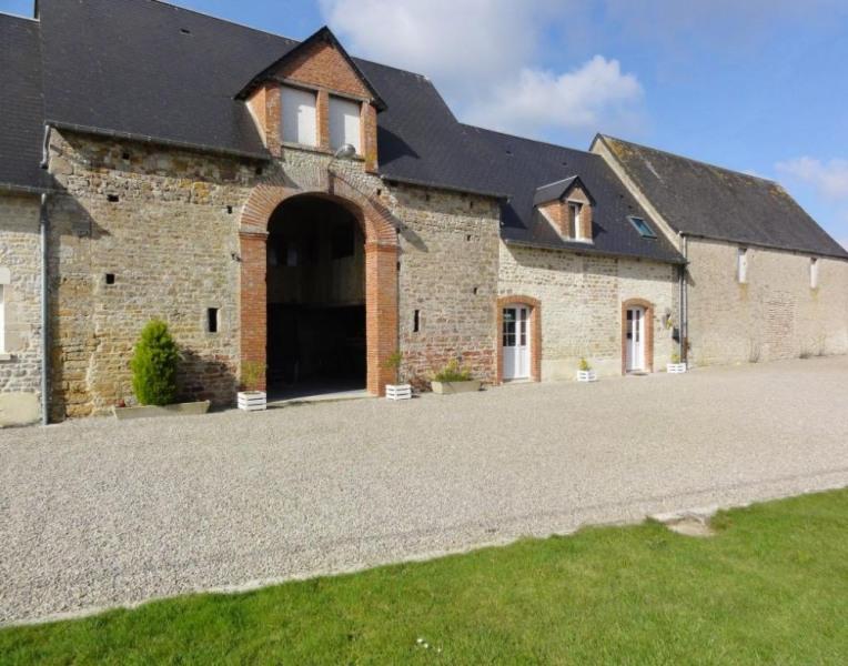 Gîtes de France - Au sein de cet imposant bâtiment de ferme en pierre de pays, deux gîtes confortables vous attendent.
