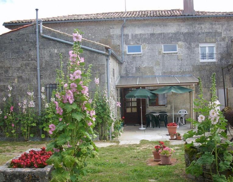 Location vacances Barzan -  Maison - 6 personnes - Barbecue - Photo N° 1
