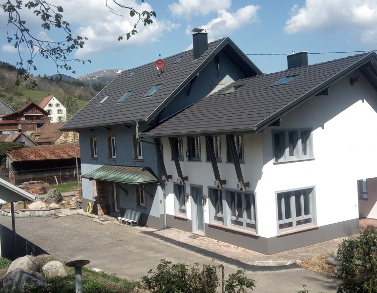 La maison du Hohneck (grise) et la Maison du Pt Ballon (blanche)