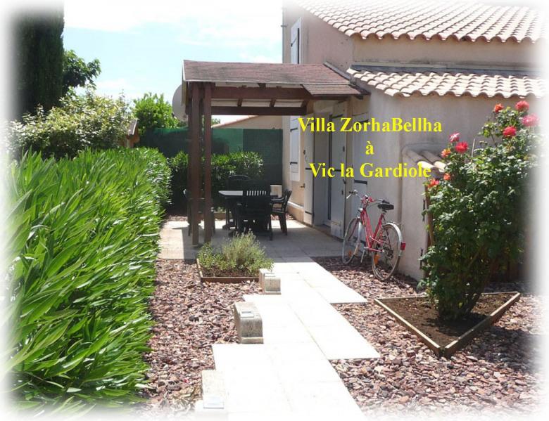 Entrée - terrasse - jardin