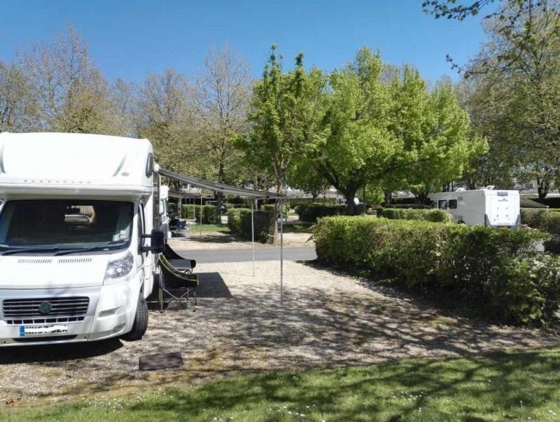 Camping Robinson, 99 emplacements, 8 locatifs