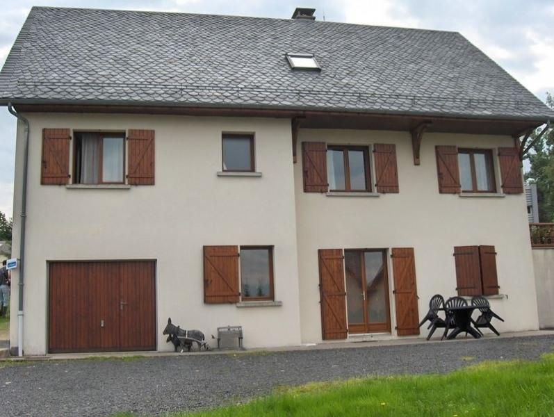 Location vacances La Tour-d'Auvergne -  Appartement - 3 personnes - Salon de jardin - Photo N° 1