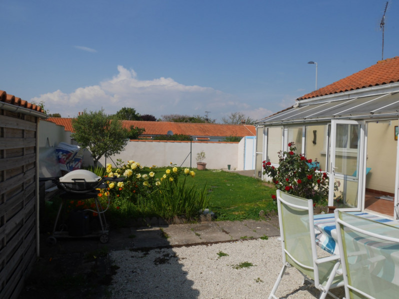Location vacances Lagord -  Maison - 7 personnes - Barbecue - Photo N° 1