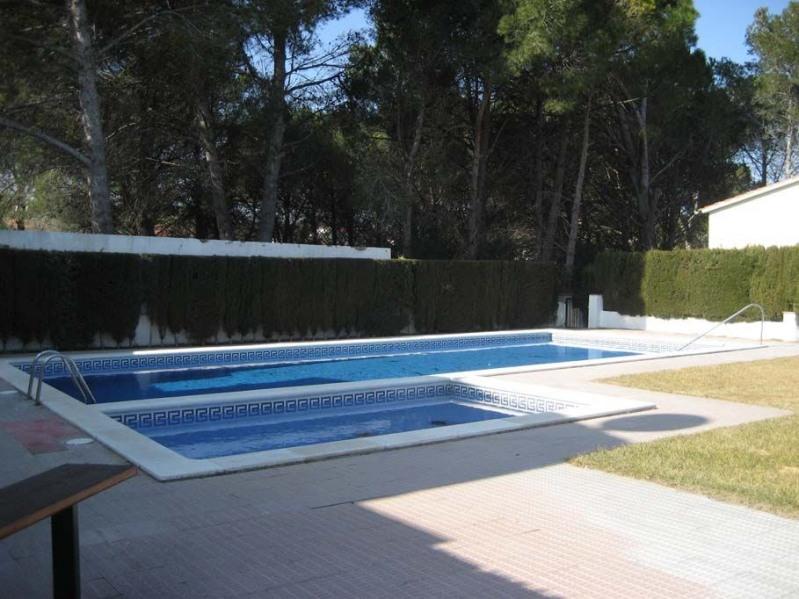 Jolie maison avec piscine communautaire