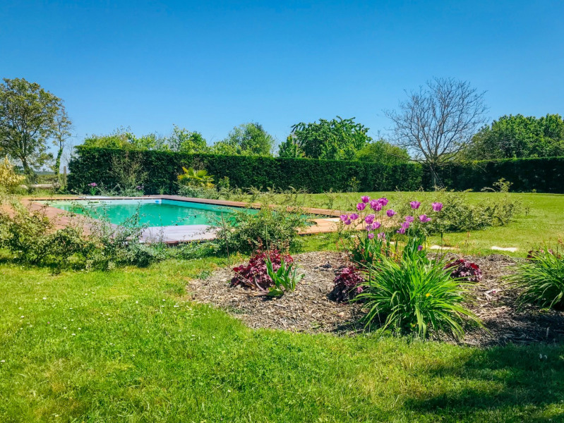 Location vacances La Tour-Saint-Gelin -  Gite - 8 personnes - Barbecue - Photo N° 1