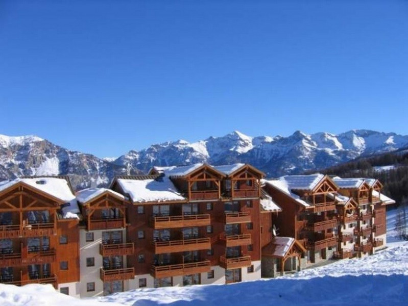 Appartement 2 chambres - 6 couchages - résidence 3* - piscine et sauna - au pied des pistes