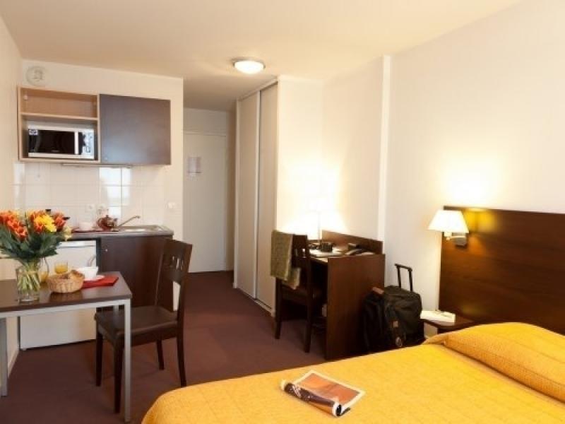 Location vacances Saint-Denis -  Appartement - 2 personnes - Télévision - Photo N° 1