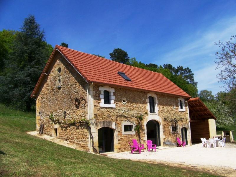 La grange de Loubejac : Grande maison de campagne à 5 mn de Sarlat, prés de Lascaux et de La Roque Gageac