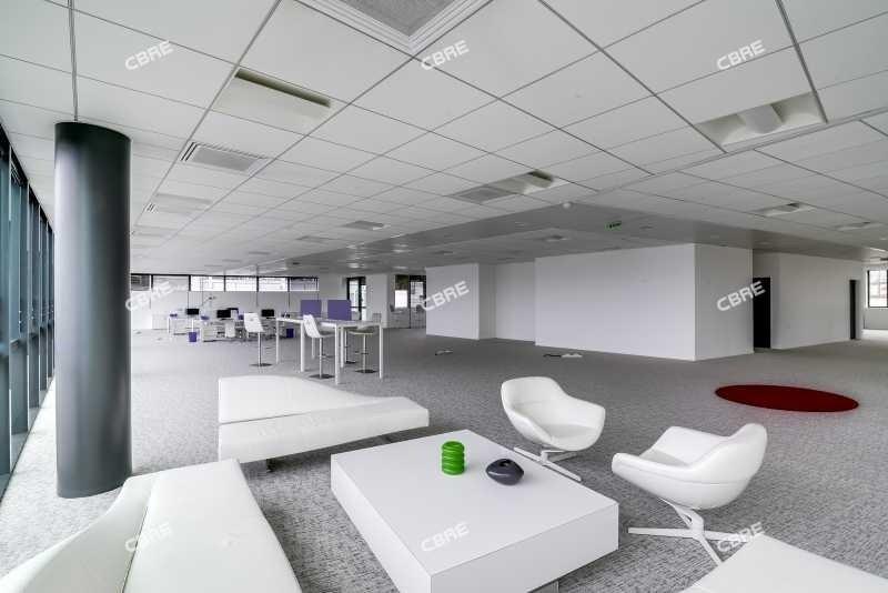 location bureau ivry sur seine val de marne 94 3499 m r f rence n 11051. Black Bedroom Furniture Sets. Home Design Ideas