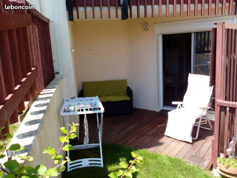 terrasse côté piscine de la résidence
