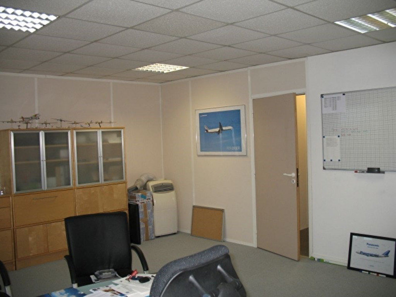 location bureau noisy le roi yvelines 78 50 m r f rence n 2458. Black Bedroom Furniture Sets. Home Design Ideas