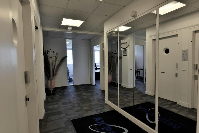 bureau neuilly sur seine location bureau neuilly sur. Black Bedroom Furniture Sets. Home Design Ideas