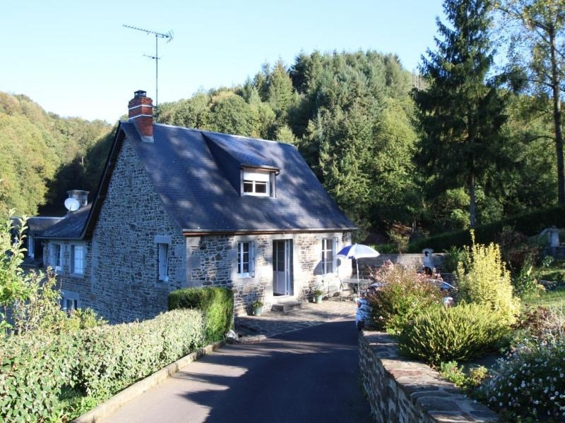 Location vacances Isigny-le-Buat -  Maison - 4 personnes - Jardin - Photo N° 1