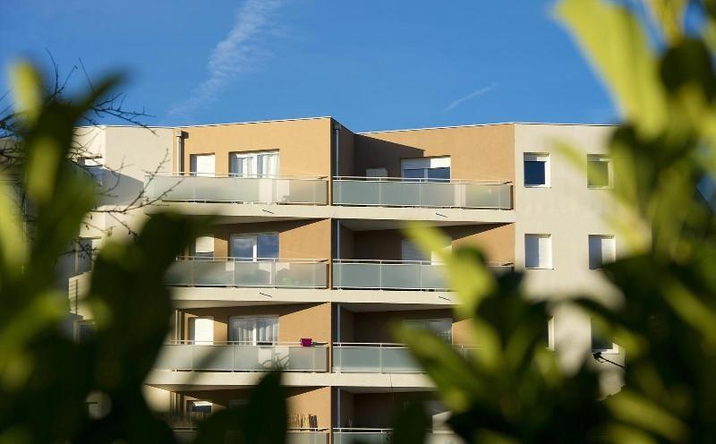 location appartement 3 pi ces annemasse appartement f3. Black Bedroom Furniture Sets. Home Design Ideas