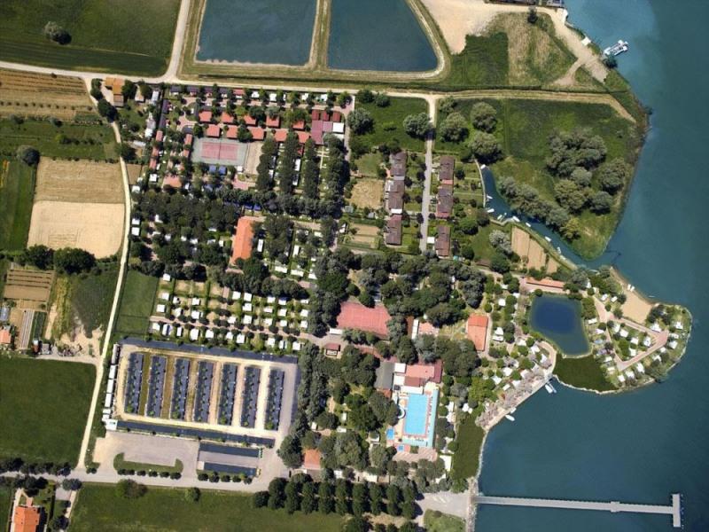Camping Villaggio Italgest, 209 emplacements, 50 locatifs