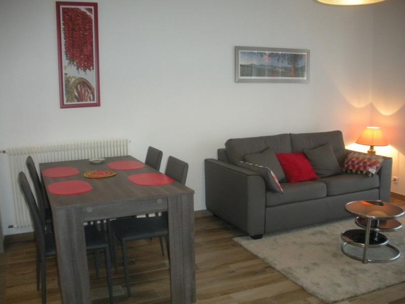 Location vacances Saint-Jean-de-Luz -  Appartement - 4 personnes - Chaise longue - Photo N° 1