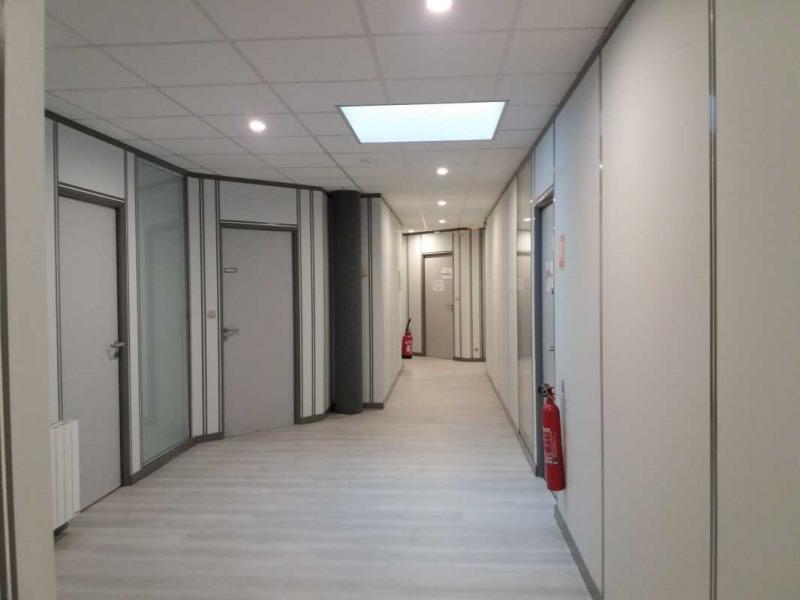 location bureau trappes yvelines 78 208 15 m r f rence n 664371w. Black Bedroom Furniture Sets. Home Design Ideas