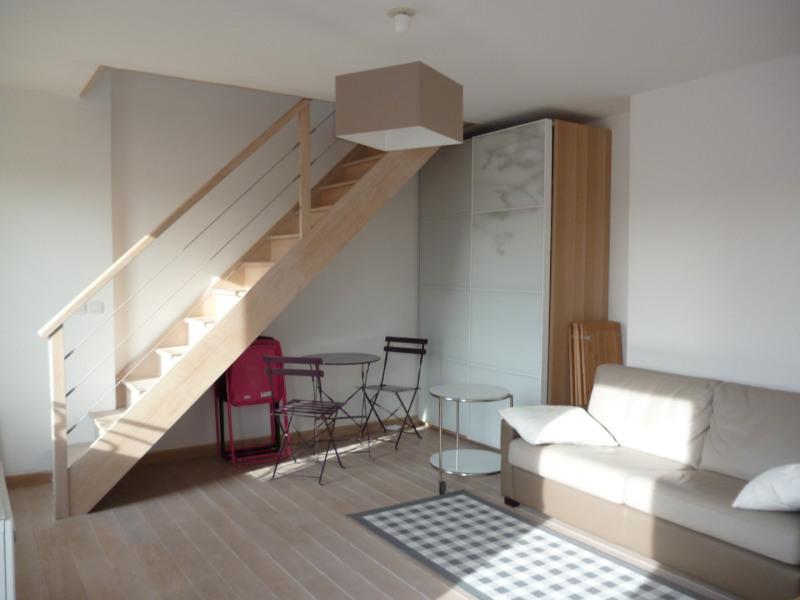 Location vacances Sanary-sur-Mer -  Appartement - 3 personnes - Salon de jardin - Photo N° 1