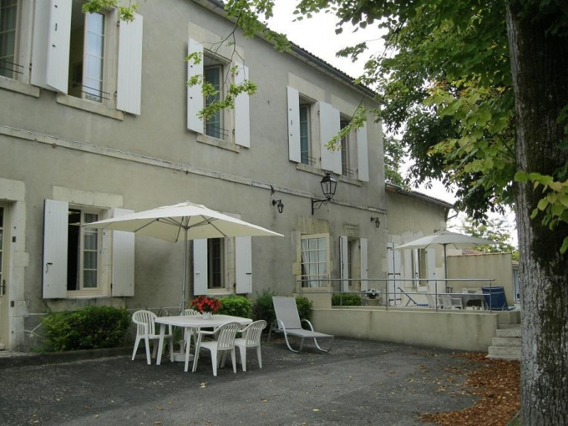Holiday rentals Saint-Fort-sur-le-Né - Cottage - 26 persons - BBQ - Photo N° 1