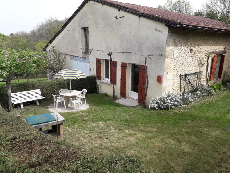 Maison indépendante, ancienne modernisée, dans un environnement calme avec jardin clos.